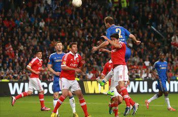 Benfica 1-2 Chelsea: Ivanovic heads dramatic winner to seal Europa League glory