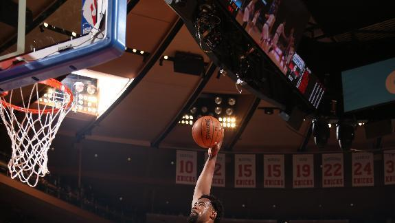 Jordan goes 7 for 7, Clippers pound Knicks 111-80