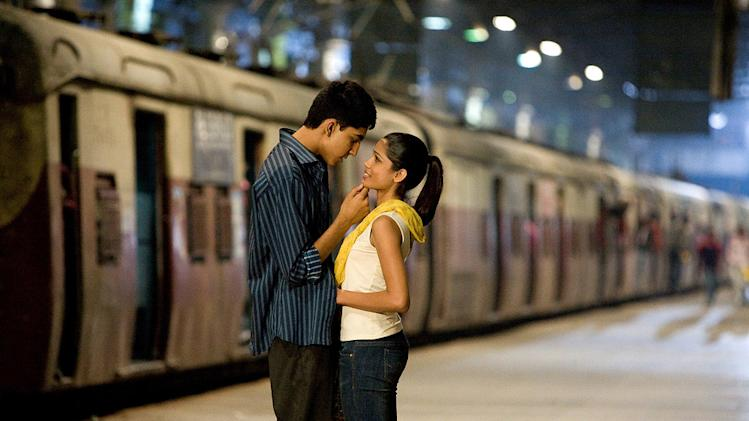 Slumdog Millionaire Production Stills 2008 Fox Searchlight Dev Patel Freida Pinto