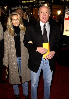 Premiere: James Caan and wife at the Westwood premiere of Warner Brothers' Ocean's Eleven - 12/5/2001 