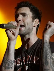 Adam Levine Buka Rahasia Single 'Moves Like Jagger'