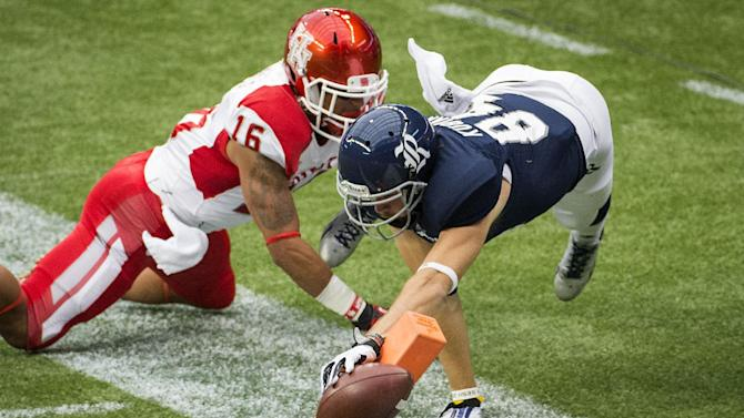 Houston survives scare from Rice for 31-26 win