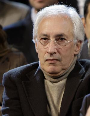 """FILE - Producer Steven Bochco listens to the Democratic debate between presidential hopefuls Sen. Hillary Rodham Clinton, D-N.Y., and Barack Obama, D-Ill., in Los Angeles in this Thursday, Jan. 31, 2008 file photo. The groundbreaking creative mind behind """"NYPD Blue,"""" ''L.A. Law"""" and """"Hill Street Blues"""" said Friday Jan. 10, 2013 that he doesn't have the creative drive he used to have. (AP Photo/Kevork Djansezian, File)"""