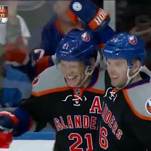 Islanders score two goals in 57 seconds