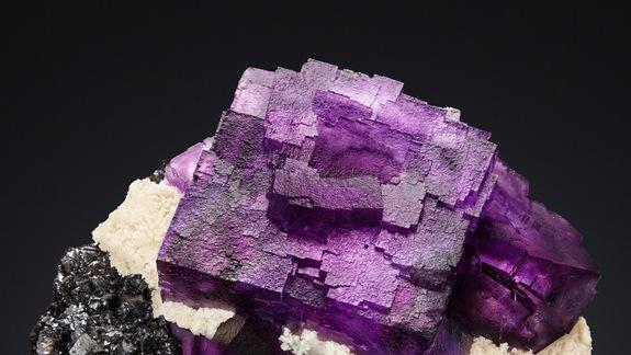 Purple Cube Crystal Tops Auction Sales