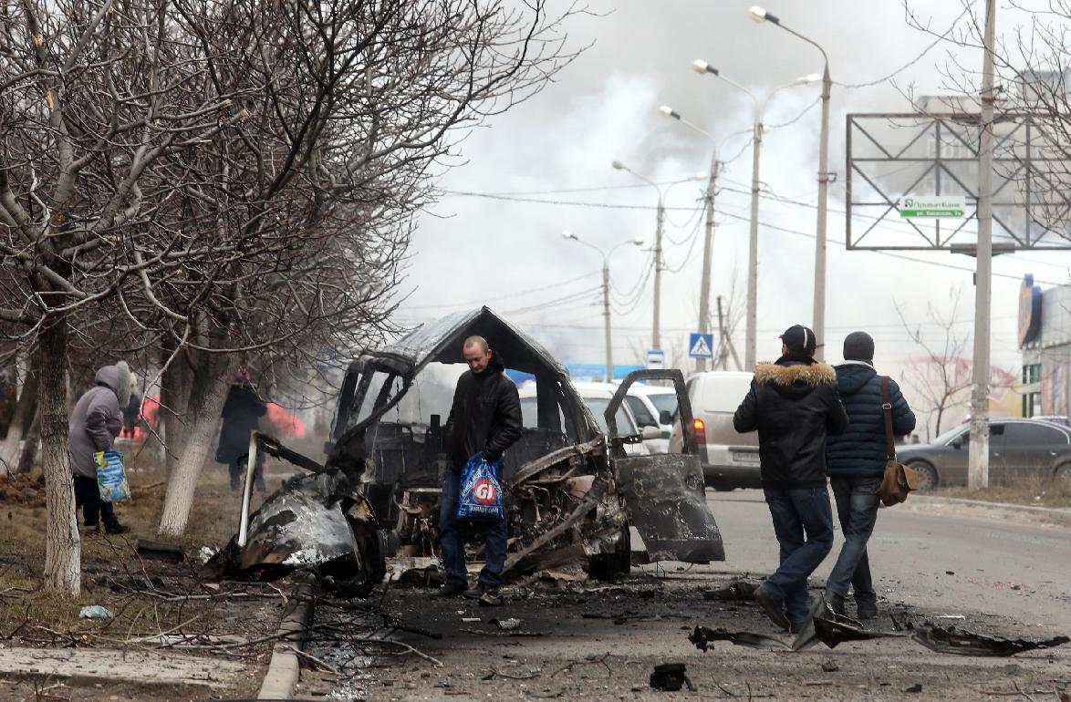 Ukraine rebels vow new offensive as rockets kill 30