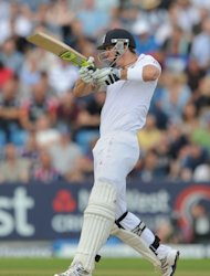Kevin Pietersen's comeback innings was ended on 17 off 39 balls as England crumbled