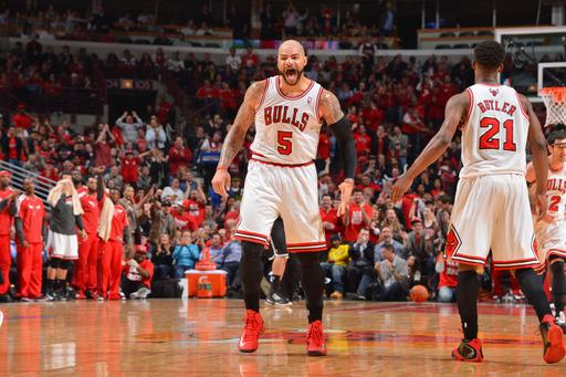 Boozer helps Bulls beat Nets 79-76 in Game 3