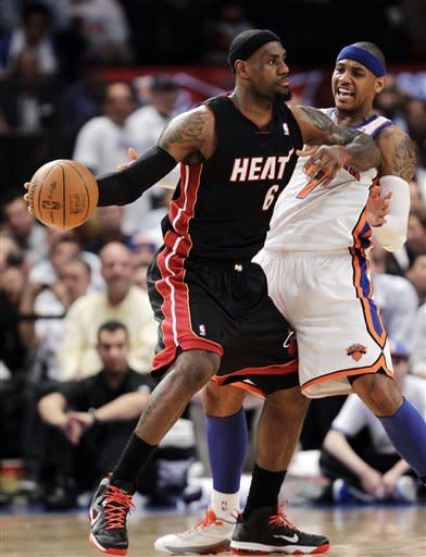 James, Heat pull away to 3-0 lead over Knicks