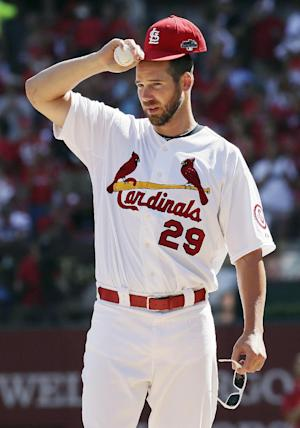 Chris Carpenter again embraces role as cheerleader