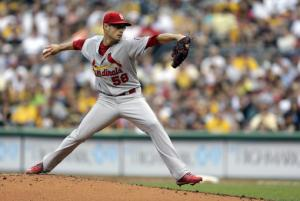 Cardinals top Pirates 7-2, tie for NL Central lead