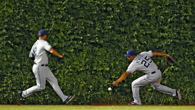 Rizzo hits 2 homers as Cubs beat Padres 6-0
