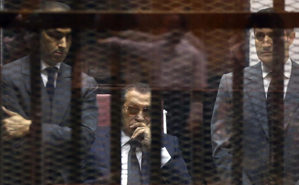 Egypt court orders Mubarak's sons freed in graft case