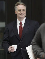 James McKay, lead prosecutor in the William Balfour murder trial arrives at Cook County Criminal Court, Wednesday, May 9, 2012, in Chicago as closing arguments are set to begin. Balfour, is charged in the 2008 murder of Oscar and Grammy winning performer Jennifer Hudson&#39;s mother, brother and nephew. (AP Photo/M. Spencer Green)