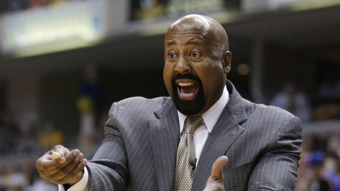 New York Knicks coach Mike Woodson argues a call during the second half of Game 4 of an Eastern Conference semifinal NBA basketball playoff series against the Indiana Pacers, on Tuesday, May 14, 2013, in Indianapolis. Indiana defeated New York 93-82. (AP Photo/Darron Cummings)