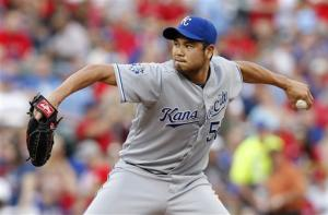 Chen wins second in row as Royals top Rangers 3-1