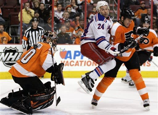 Rangers clinch top seed in East, sweep Flyers