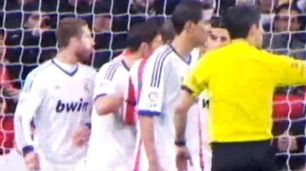 Gross! Sergio Ramos spat on Diego Costa during Real Madrid 2   Atletico Madrid 0