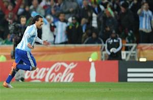 Tevez left off Argentina provisional World Cup squad