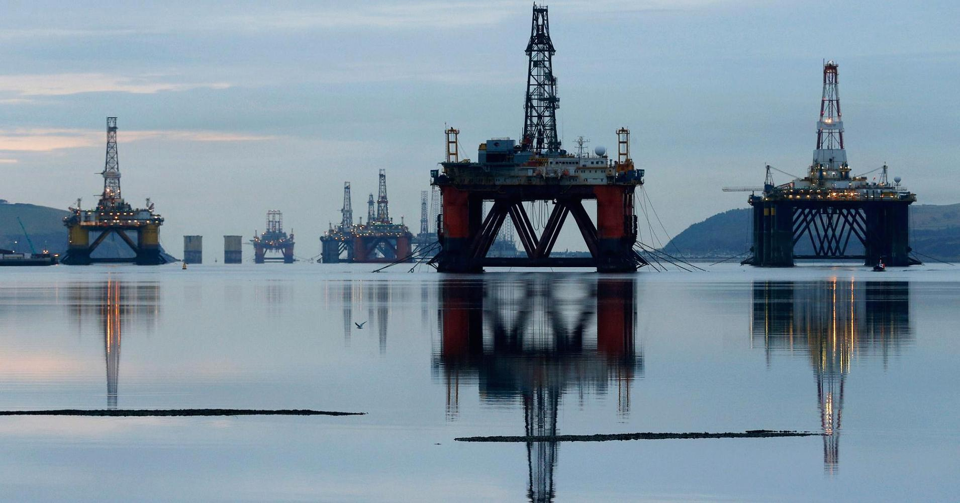 Oil stock dividends to drop by $12B: Markit