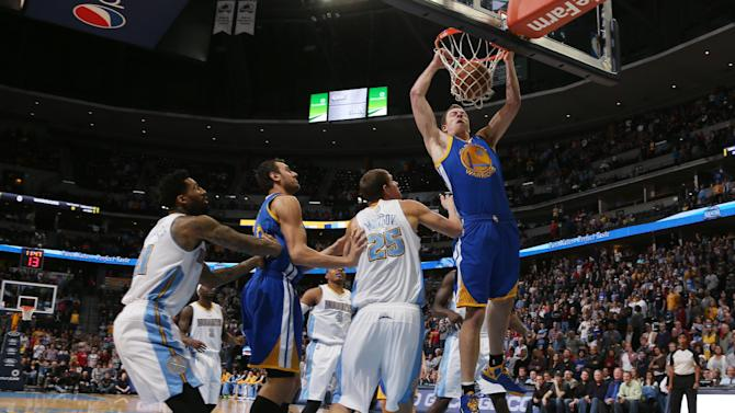 Lee's double-double leads Warriors past Nuggets