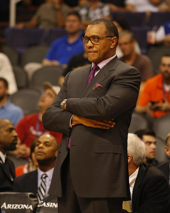 Los Angeles Clippers Associate Head Coach Alvin Gentry in the third quarter during an NBA preseason basketball game against the Phoenix Suns on Tuesday, Oct. 15, 2013, in Phoenix. Los Angeles Clippers