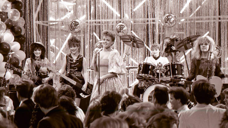 NYRE 1983 The Go-Gos 02