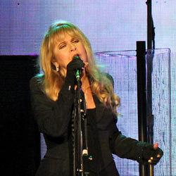 On With the Show Tunes: A Refueled Fleetwood Mac Truck Delivers Again