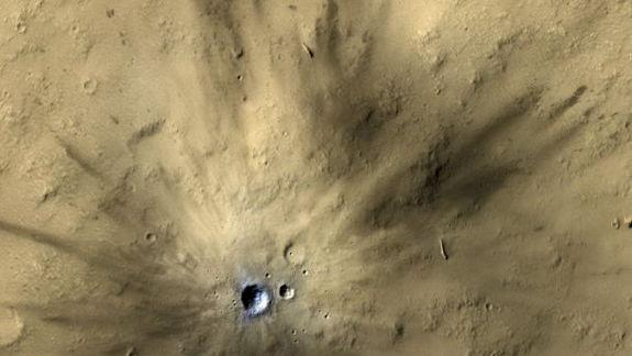 Pow! Mars Hit By Space Rocks 200 Times a Year