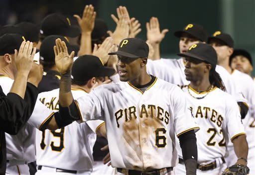 Marte sparks Pirates by Zito, Giants 12-8