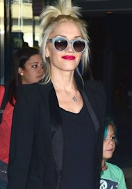 Gwen Stefani's magenta mouth – love it?