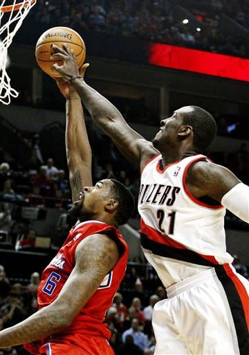 Clippers build big lead, beat Blazers 103-90