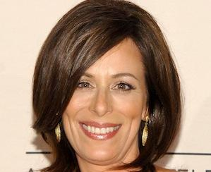 Pilot Scoop: Jane Kaczmarek to Play the Overbearing Mom of Fox's Friends & Family