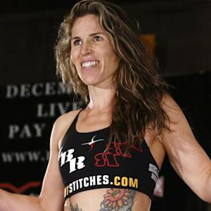 Leslie Smith Gets the Call to Face Sarah Kaufman at Next Week's TUF Nations Finale