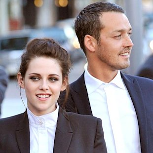 Kristen Stewart & Rupert Sanders: What Their Body Language Says