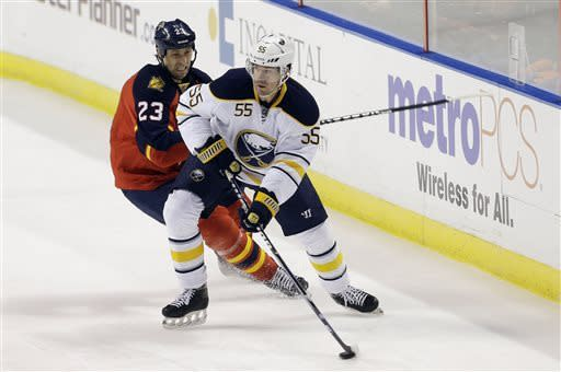 Santorelli lifts Panthers past Sabres in shootout
