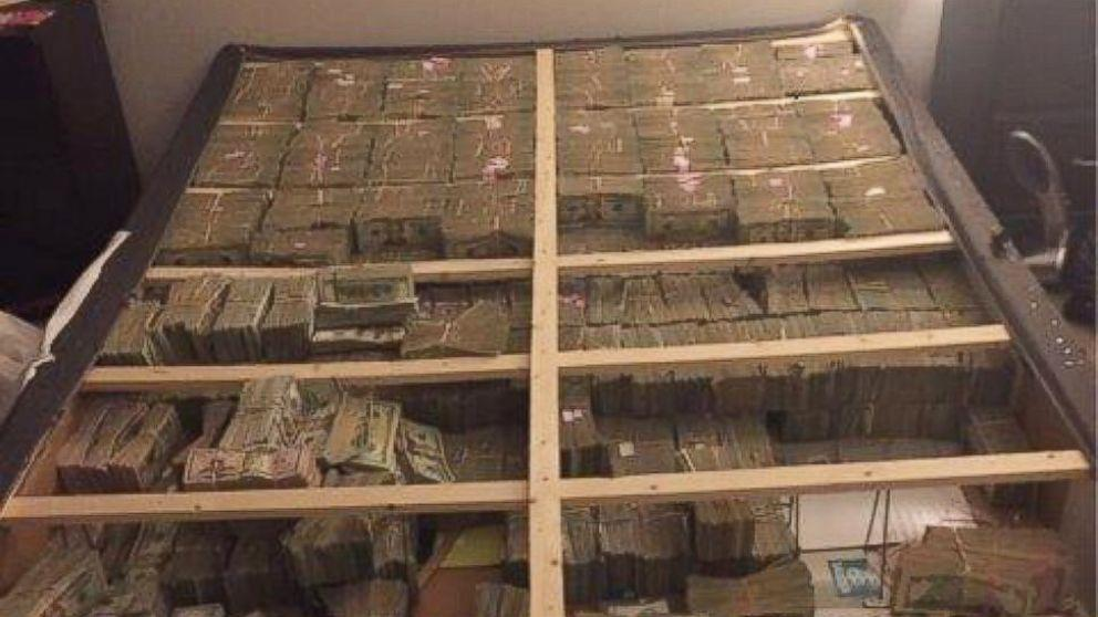 Photo Shows $20M That Feds Found Hidden in Mattress