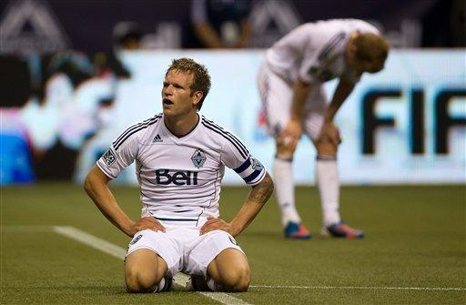 Galaxy score 2 late goals in 2-2 draw at Whitecaps