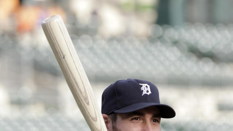 Detroit Tigers' Justin Verlander prepares to take batting practice before Game 3 of baseball's American League championship series against the Texas Rangers, Tuesday, Oct. 11, 2011, in Detroit. (AP Photo/Paul Sancya)
