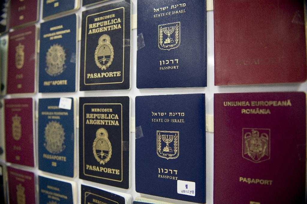 Thai cops bust gang sending fake passports to migrants to Europe