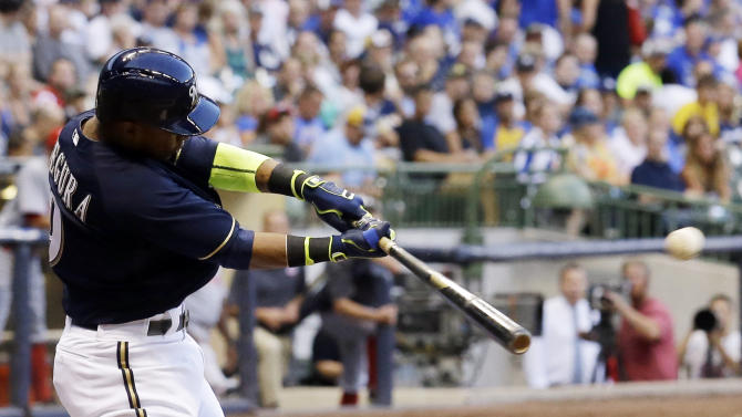Peralta, Segura lead Brewers past sloppy Reds 5-2