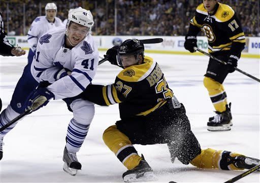 Revived offense lifts Bruins over Maple Leafs 4-1