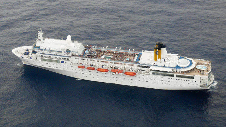 Cruise line: Crippled ship to reach land Thursday