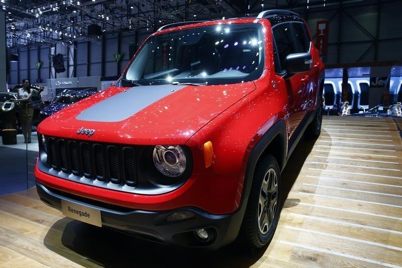 Fiat Chrysler U.S. to recall 7,810 SUVs to prevent hacking