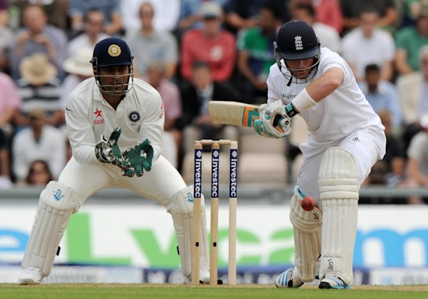 Bell, Ballance pile on runs against India in third Test