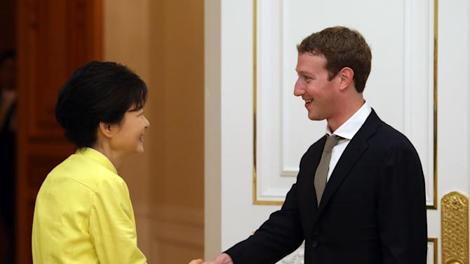 Facebook CEO meets SKorean president