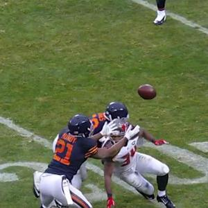 Tampa Bay Buccaneers quarterback Josh McCown picked off by Chicago Bears safety Ryan Mundy