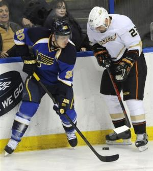 Stewart scores OT goal, Blues beat Ducks 2-1