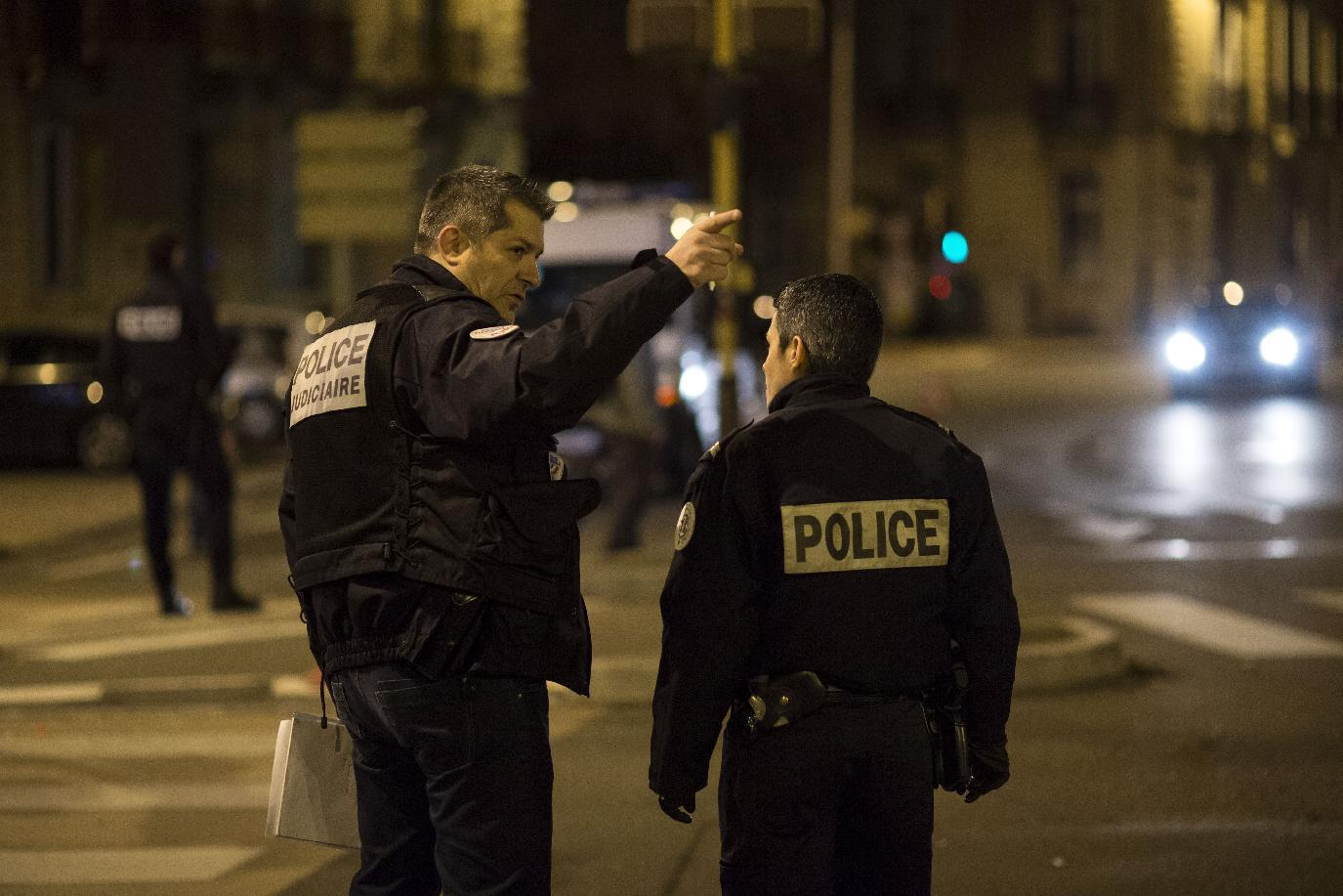 Hollande urges 'utmost vigilance' after weekend attacks