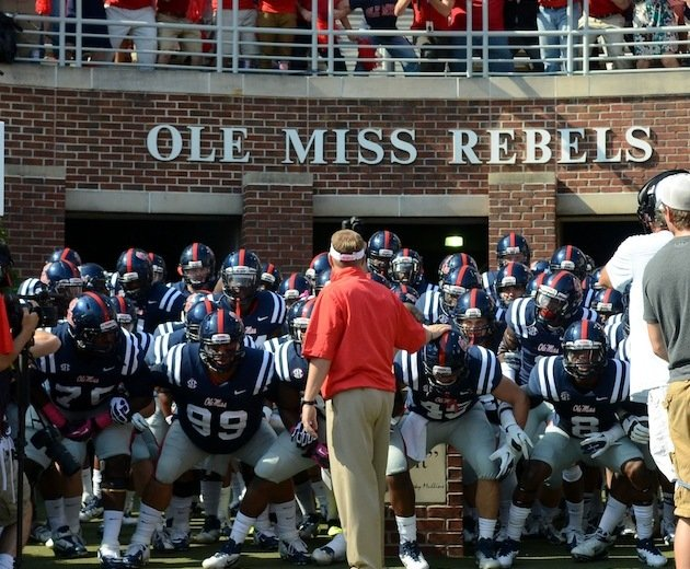 Ole miss players spend spring break helping the homeless in central